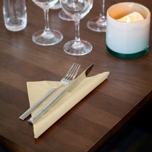 477588 Tork Soft Dinner szalvéta Pezsgő