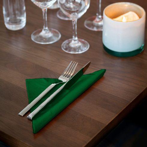 477604 Tork Soft Dinner szalvéta Sötétzöld