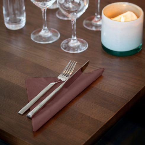 477774 Tork Soft Dinner szalvéta Barna