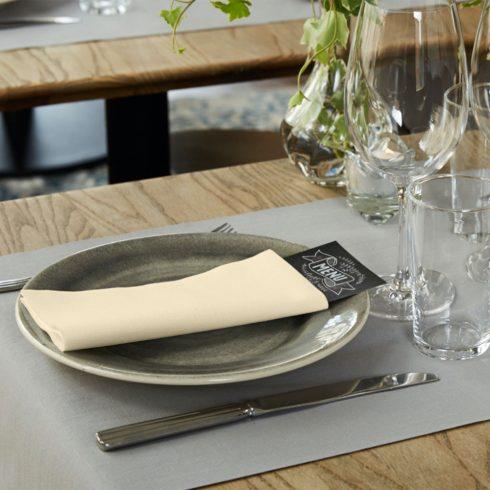 478146 Tork Premium Linstyle Dinner textilhatású szalvéta Krém